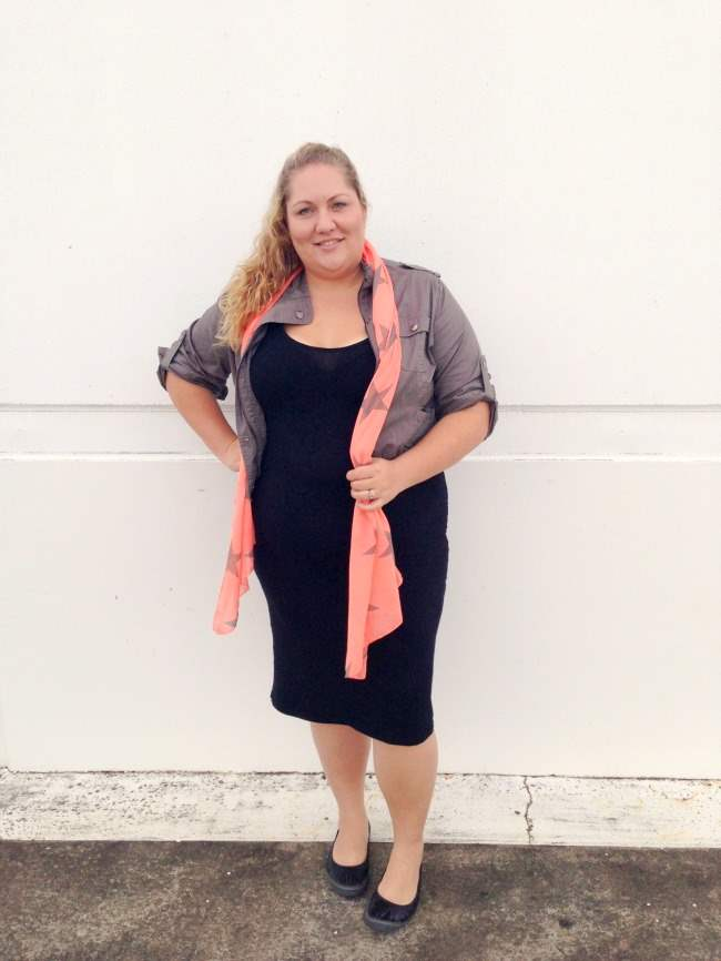 plus size body con outfit with scarf 001
