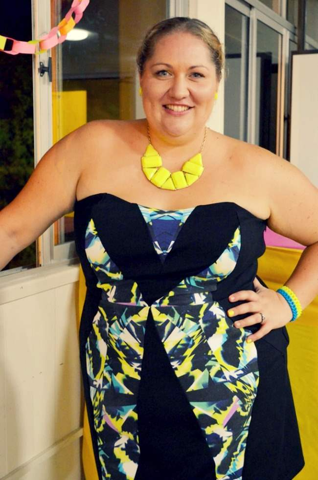 plus size city chic neon dress outfit 002