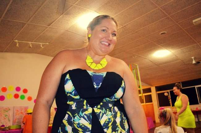 plus size city chic neon dress outfit 008
