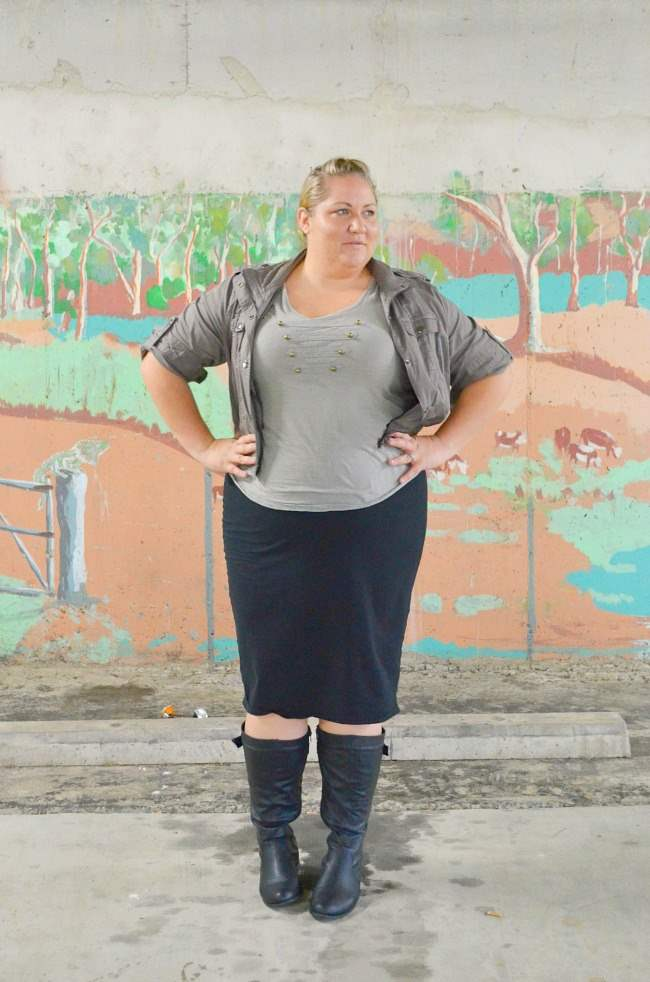 plus size military outfit with boots 002