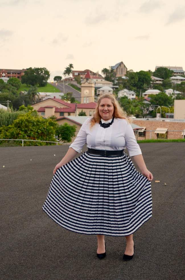 plus size retro outfit with stripe skirt 007