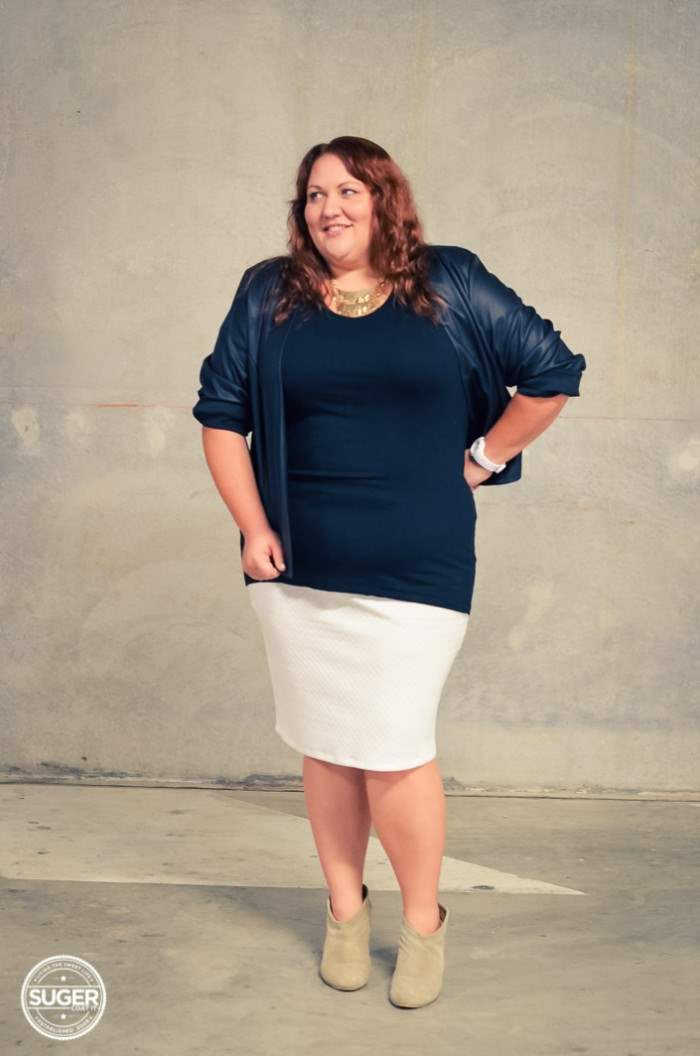 black and white plus-size outfit with boots-3