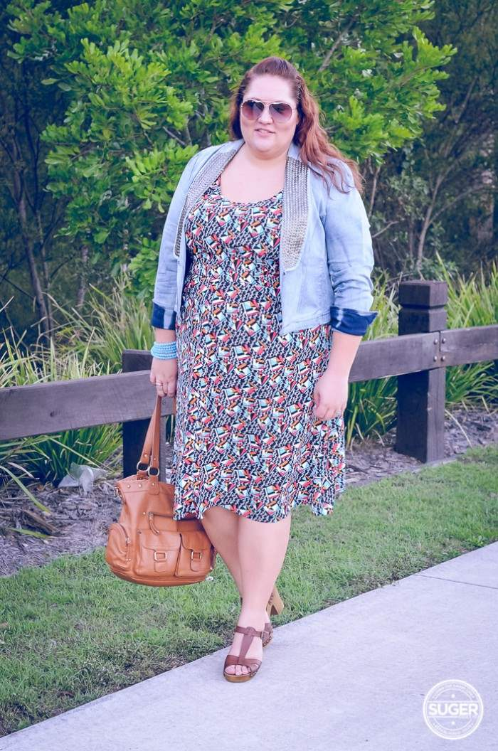 plus size casual dress with denim jacket outfit-3