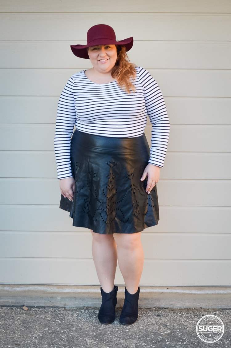 plus size stripe jumper + leather skirt + felt hat-3