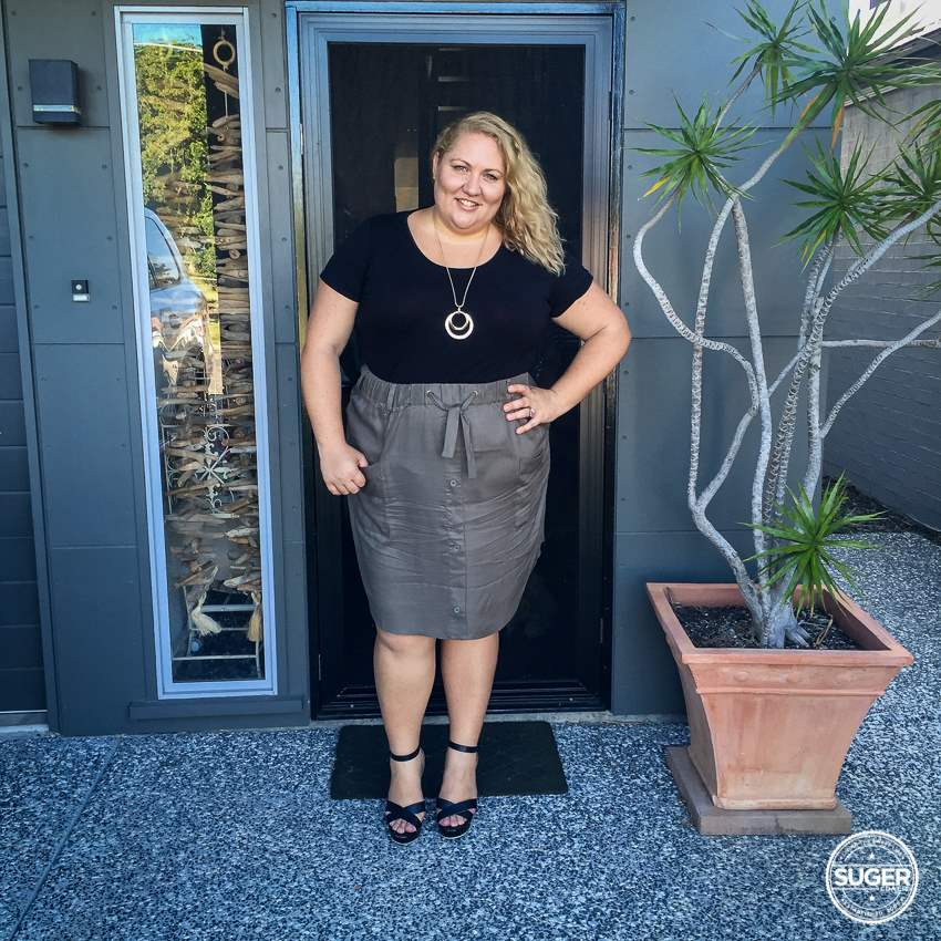 17 sundays cargo skirt plus size dressy casual outfit-1