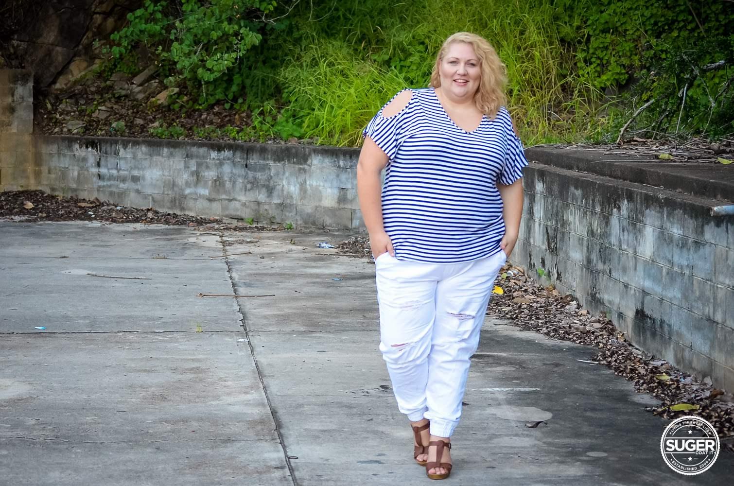 17 sundays plus size casual outfit denim joggers stripe top-5
