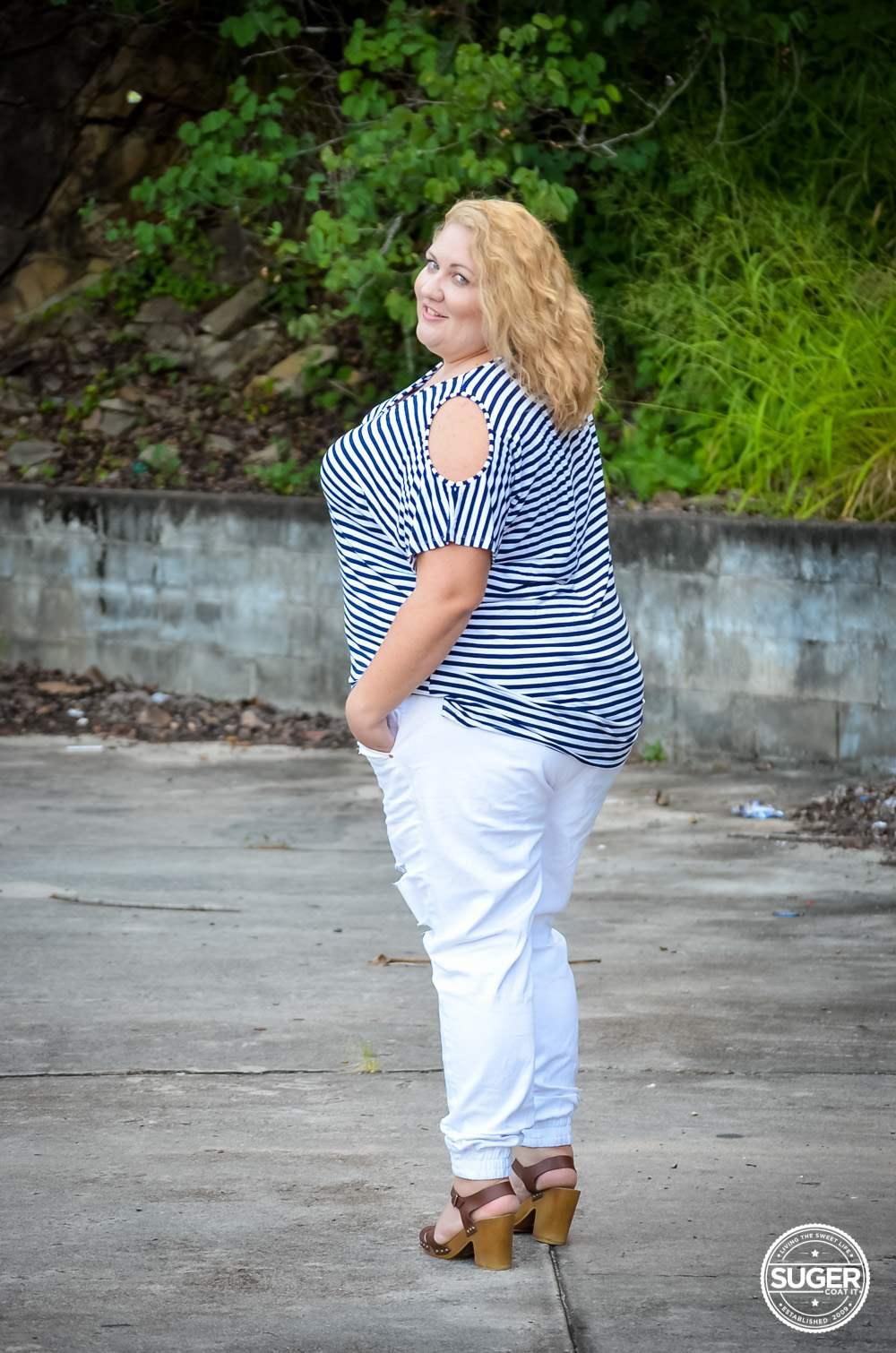 17 sundays plus size casual outfit denim joggers stripe top-7