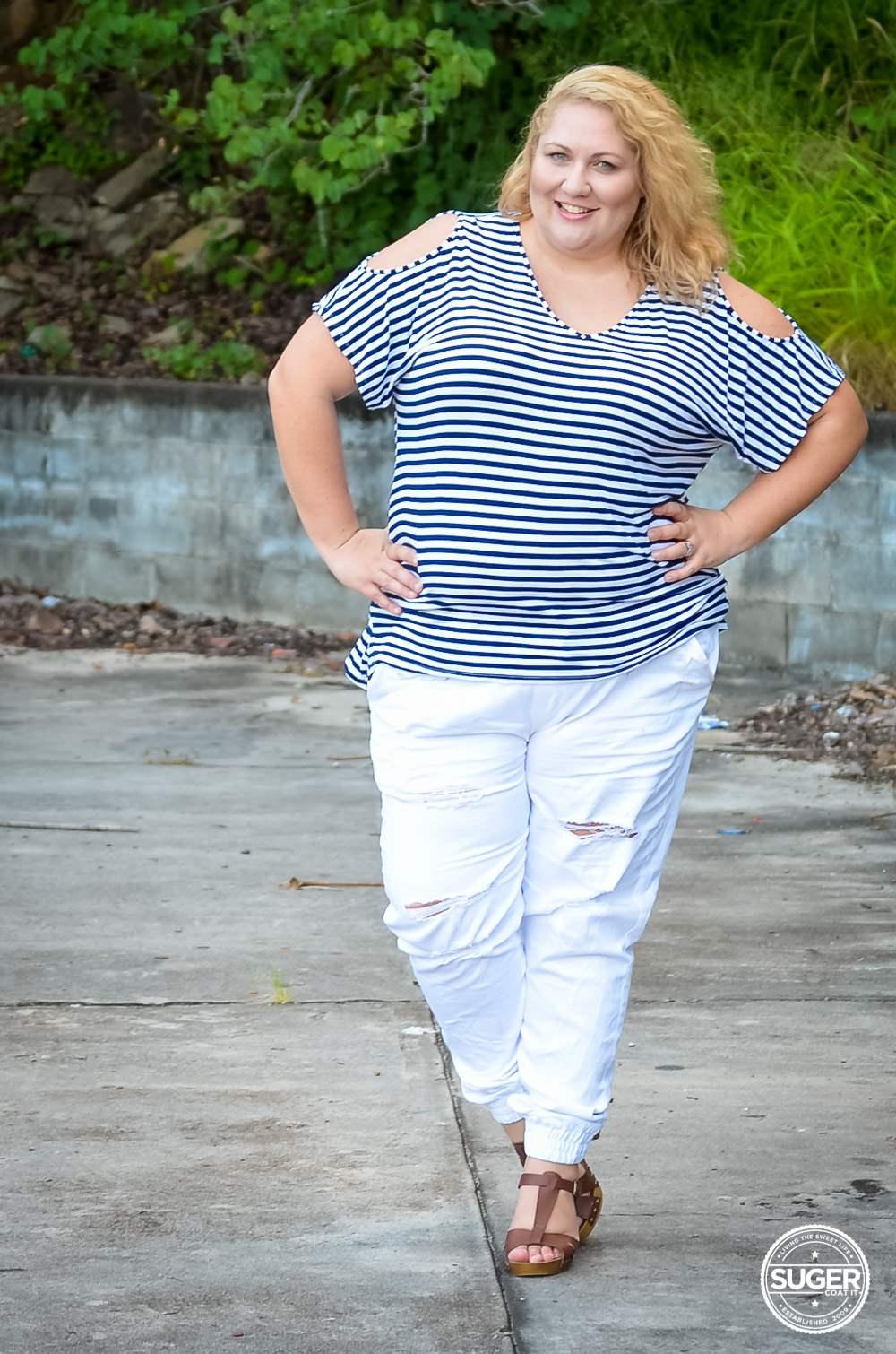 17 sundays plus size casual outfit denim joggers stripe top-8