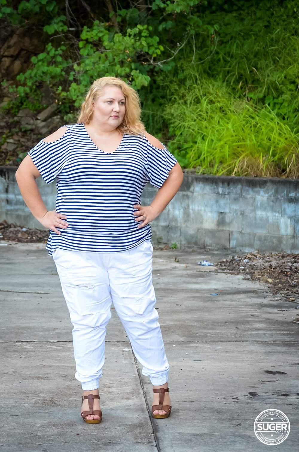 17 sundays plus size casual outfit denim joggers stripe top-9