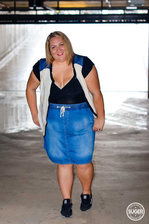 casual plus size denim skirt outfit 17 sundays-4
