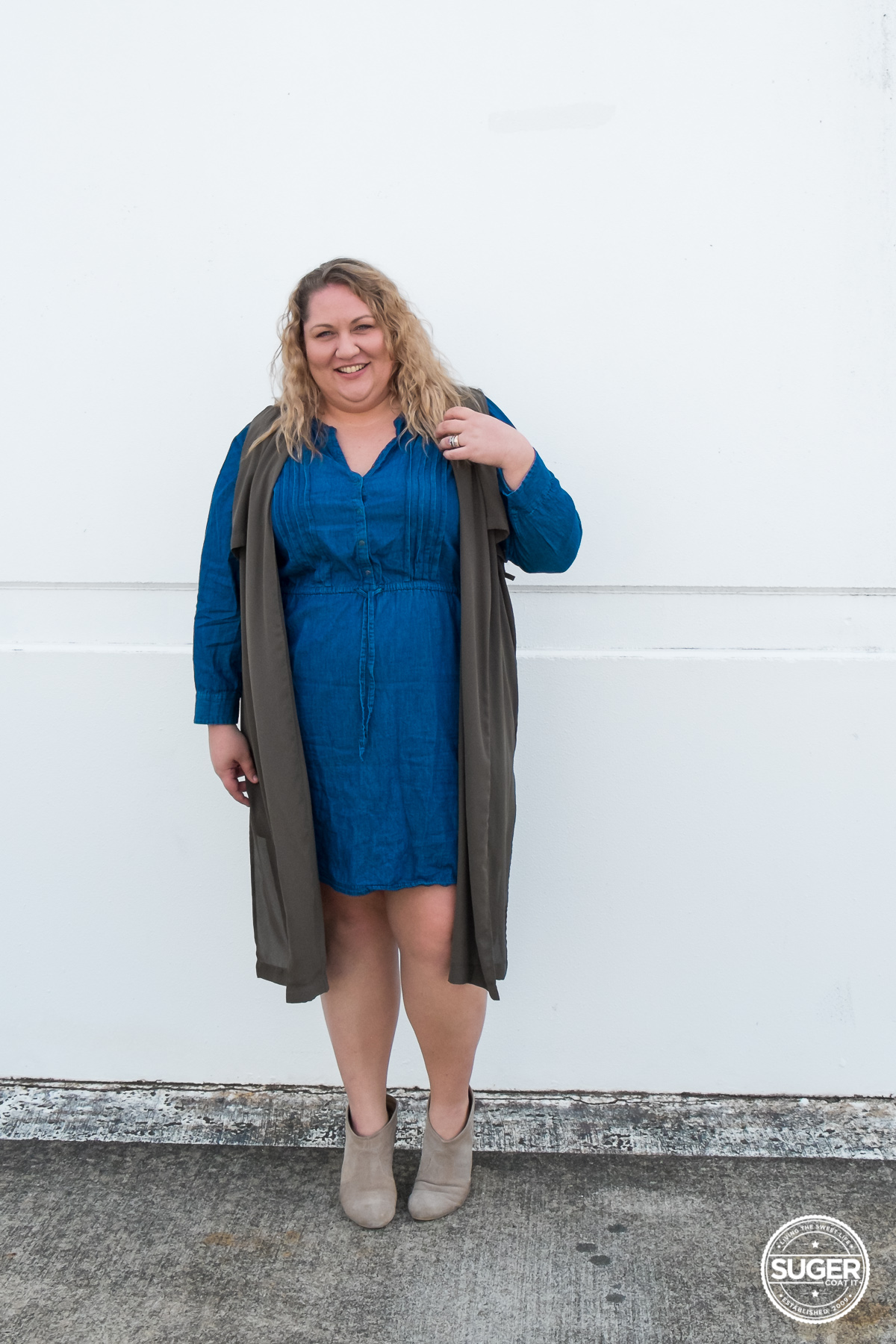 australian plus size fashion blogger chambray dress boots-5