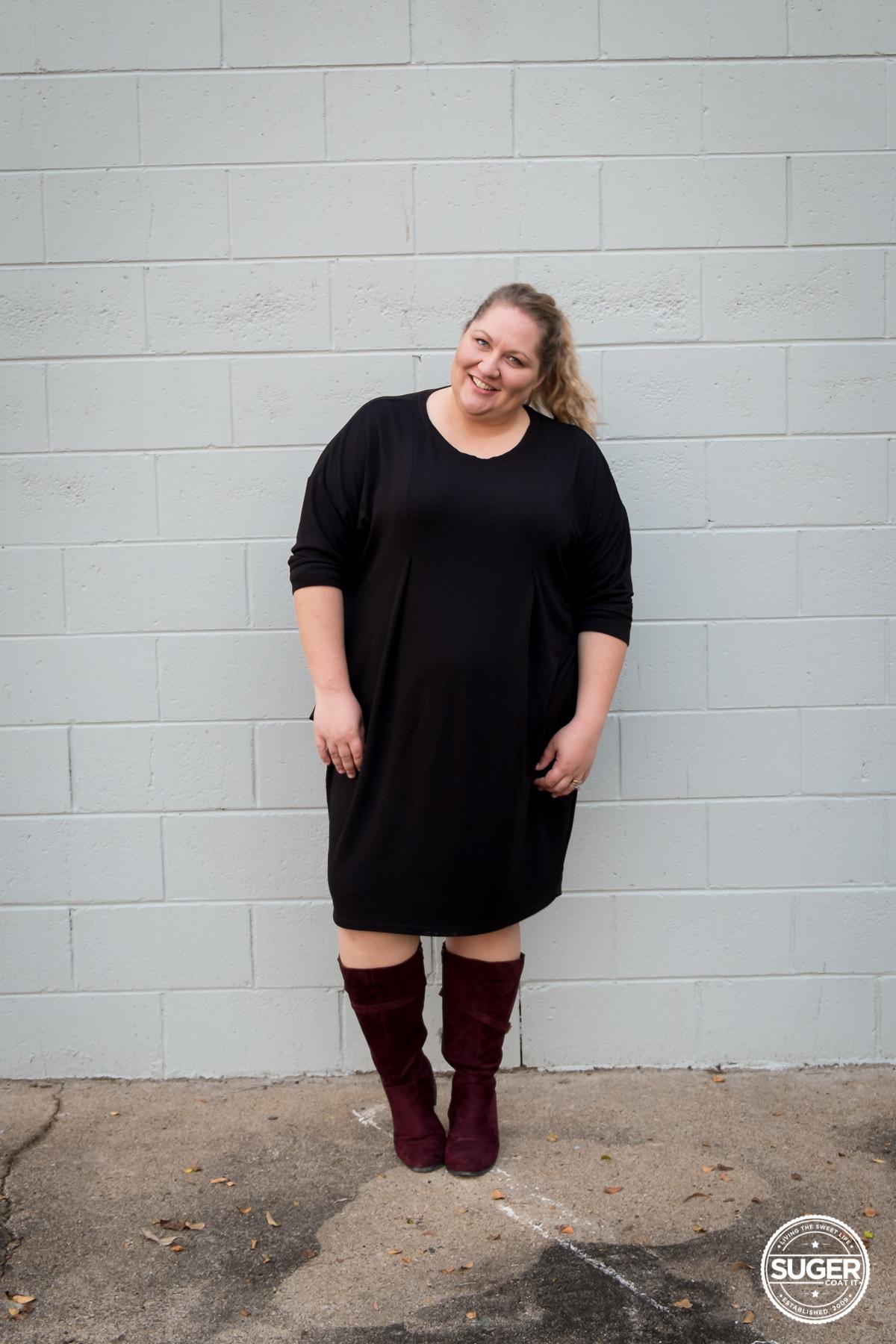 plus size fashion blogger slouchy black dress boots-4