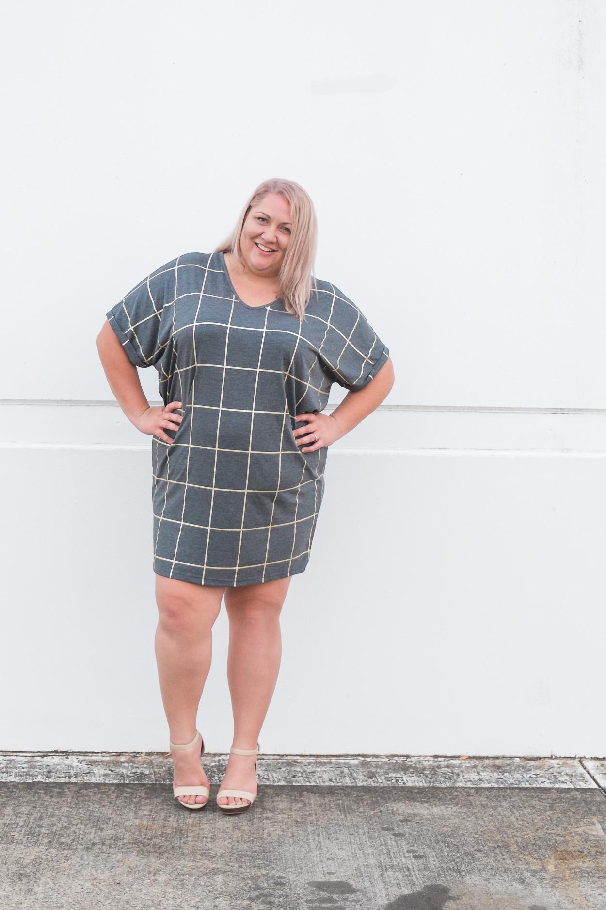 17-sundays-grid-print-dress-plus-size-blogger-5-2