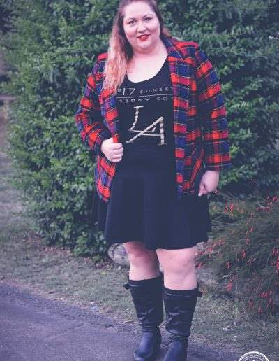plus size plaid jacket outfit 17 sundays tee-4