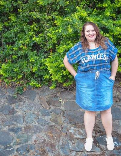 wet seal plus size plaid tee 17 sundays denim skirt casual outfit-5