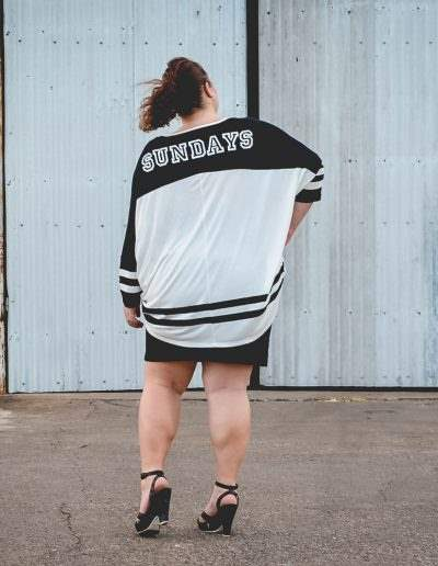 plus size oversized varisty tee outfit 17 sundays-9