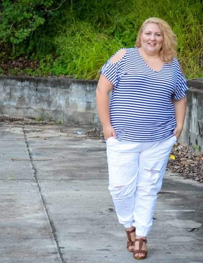 17 sundays plus size casual outfit denim joggers stripe top-5