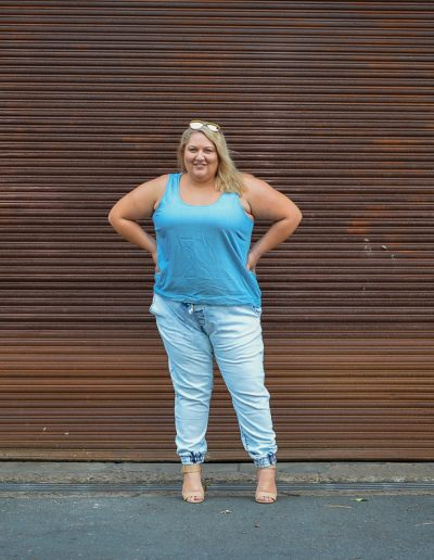 plus size double denim 17 sundays joggers blogger outfit-8