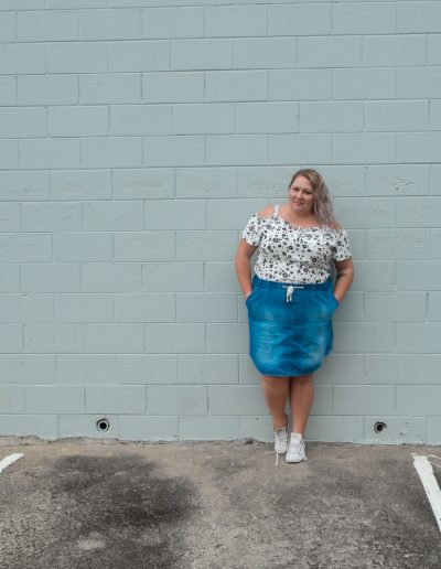 casual denim skirt outfit plus size fashion-12
